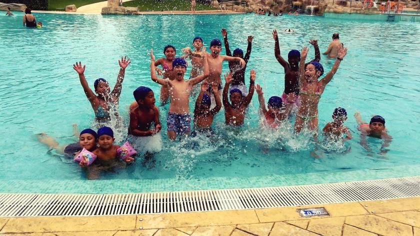 foto_conviu_lestiu_2018_piscina_0.jpg